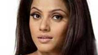Can Neetu Chandra be the next 'Controversy Queen'?