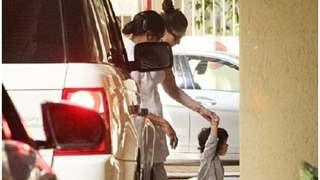 Taimur Ali Khan Seen Leading The Way For Mommy Kareena Kapoor!