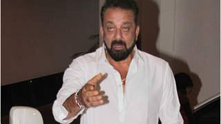 DRUNK Sanjay Dutt CAUGHT ABUSING in front of Media at his Party