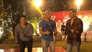 Salman Khan's AMAZING Dance Moves at the Christmas Party: VIDEO