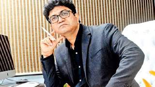 Don't make patriotism your convenience: Prasoon Joshi