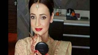 Sanaya Irani TURNS Make Up Artist (MUA); Tells Hers to Find A New JOB!