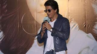Shah Rukh Khan mocks himself for the failure of his previous films!