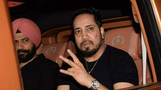 Mika Singh Banned and Boycotted by AICWA after he performed in Pakistan