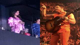 Nick Jonas gestures I Love You to Priyanka in the middle of his concert!!