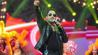 Ban Revoked: Mika Singh Chants 'Jai Hind' in his apology!