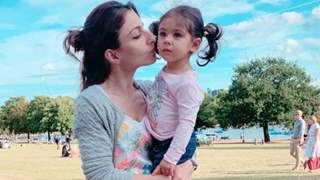 Soha reveals Inaaya is crazy about lipsticks and makeup!