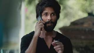 Fans can't stop admiring Shahid Kapoor's goosebumps on screen!