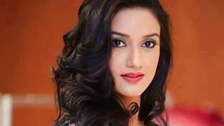 Rati Pandey Opens Up on Relationship Status, Plans Ahead & New Role