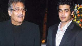 Vinod Khanna's Son Goes Away Into The Spiritual World Just Like His Father