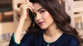 Jasmin Bhasin Apologizes For Lying About Not Doing Naagin 4!
