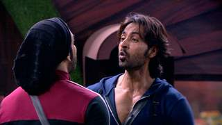 BB13: Arhaan & Rashami Indulge in an Argument While Sidharth & Shehnaaz Have a Heart to Heart Talk!