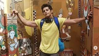 Karanvir Bohra Detained At Delhi Airport For Not Carrying 'Required' Travel Documents!