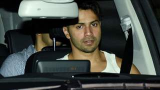Varun Dhawan's Car Runs Over Paparazzi's Leg; After Photographer Screams in Pain, Actor Checks on him