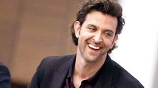 Hrithik Roshan receives the most adorable Gift from Fans!