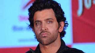Hrithik Roshan had no Other Choice But to go on Stage Without... Actor Requests Feedback!