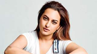 Sonakshi Sinha has Asked her Fans to Send her Questions as she will be Going Live with Gurudev Sri Sri Ravi Shankar...