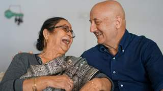 Anupam Kher reveals his 'mom sold her jewelry' for his education; honors her with an in an emotional post!