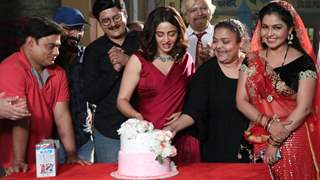 Nehha Pendse receives a warm welcome on the sets of Bhabiji Ghar Par Hai