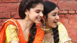 Gracy Goswami and Anchal bond over all-natural products while shooting