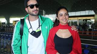 PHOTOS: Jasmin Bhasin and Aly Goni are all smiles as they head to Kashmir