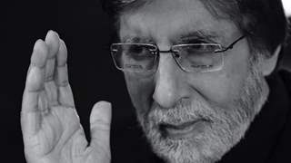 Amitabh Bachchan undergoes second eye surgery, calls it 'life changing experience'