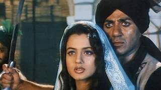 Sunny Deol, Ameesha Patel starrer 'Gadar' to get a sequel after 20 years?