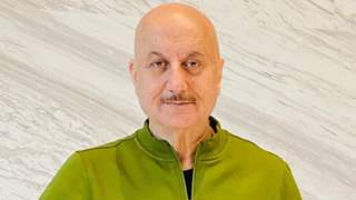 Anupam Kher shares the pain of losing his hair with a hilarious song; Watch video
