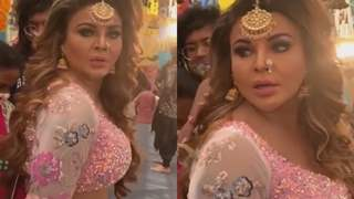 Rakhi Sawant suffers wardrobe malfunction ahead of performance, Calls it 'tragedy of artist'