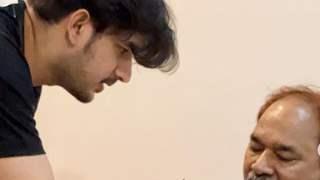Paras Kalnawat gets emotional losing father; pens multiple notes