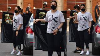 Kareena Kapoor Khan prepares for a toned body; begins her gym sessions post-pregnancy; see pics!