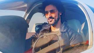 Kunal Kapoor took the risk, Reveals flying an aircraft by himself amid heavy lockdown