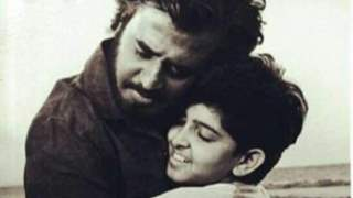 """Hrithik Roshan drops an extremely rare and unseen picture with Rajinikanth; says """"I continue to look up to your greatness"""""""