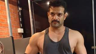 Karan Patel takes a dig at political parties once again with his latest video