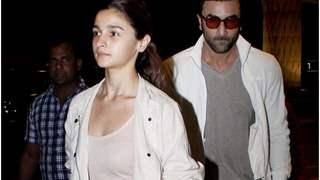 Netizens slam Alia Bhatt- Ranbir Kapoor; Call them 'Shameless'