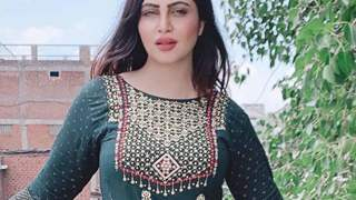 Arshi Khan urges fan to be safe and pray for her as she tests positive for COVID-19