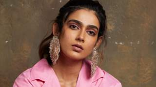Aakanksha Singh auctions her wardrobe, Raises funds for Covid-19 victims
