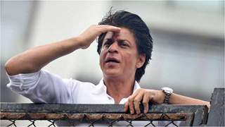 Shah Rukh Khan wishes fans on Eid, Shares dashing new pic & touching note
