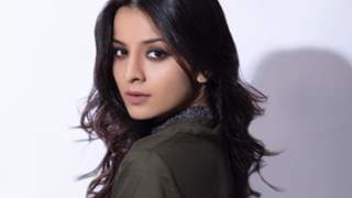 Mahima Makwana says 'Everything can wait right now, you get life only once'