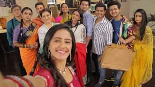 Ghum Hai Kisikey Pyaar Meiin producer and actors Neil, Ayesha, Aishwarya and Kishori on 200 episodes