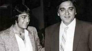Sanjay Dutt pens a heartfelt tribute in memory of dad Sunil Dutt on his death anniversary; see picture!