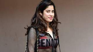 Janhvi Kapoor mocks photographer in quirky BTS video; Watch!
