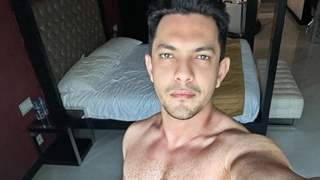Aditya Narayan posts an 'unhealthy' image of himself followed by a fit one; here's why