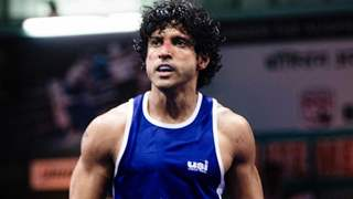 Video: Farhan Akhtar training to be Aziz Ali - the Toofani boxer is unmissable!