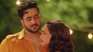 2 Phone Out Now: Jasmin Bhasin and Aly Goni's peppy number sure strikes the right chords