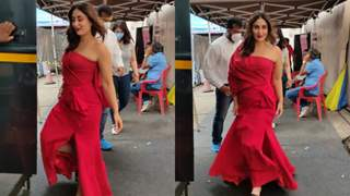 Kareena Kapoor Khan turns heads in her stylish red look; see pictures!