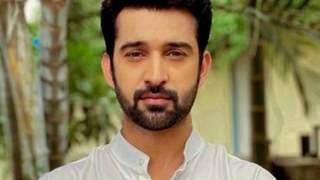 Rajveer Singh braves major knee injury to continue shooting for Zee TV's Qurbaan Hua