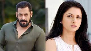 Salman Khan convinced a teary-eyed Bhagyashree to hug him; Actress reveals about the kissing scene