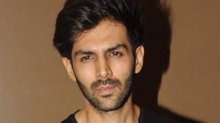 Kartik Aaryan shares a mysteriously intriguing photo announcing about the climax