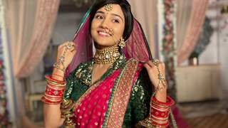 Ashi Singh sports her reel-life mother's wedding outfit for Meet's marriage